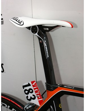Euskaltel-Euskadi has opted for the Monolink version of the proprietary Orbea carbon post to work with the team's new Selle Italia saddles.