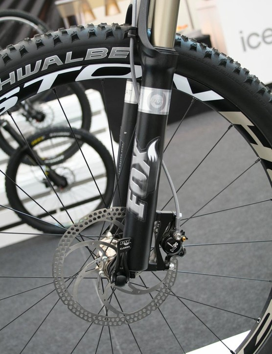 Commencal Meta 5.5 with Fox Float RLC Fit 150mm fork