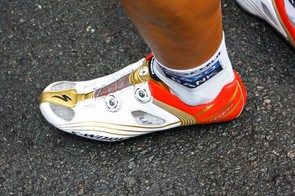 Nothing says 'Olympic champion' like the gold on Fabian Cancellara's (Saxo Bank) custom Specialized S-Works shoes.
