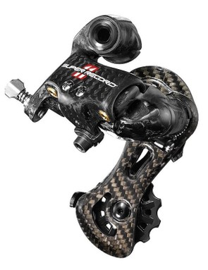 The Super Record rear derailleur gets new aluminium hardware