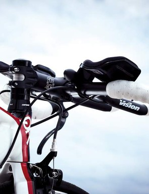 The skinny top tube and bars make the Q Roo much more comfortable than most alloy bikes