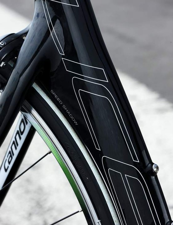 Standard carbon frame still gets aero profile and vibration-reducing tricks of the top Hi Mod bikes for a fast yet comfortable ride