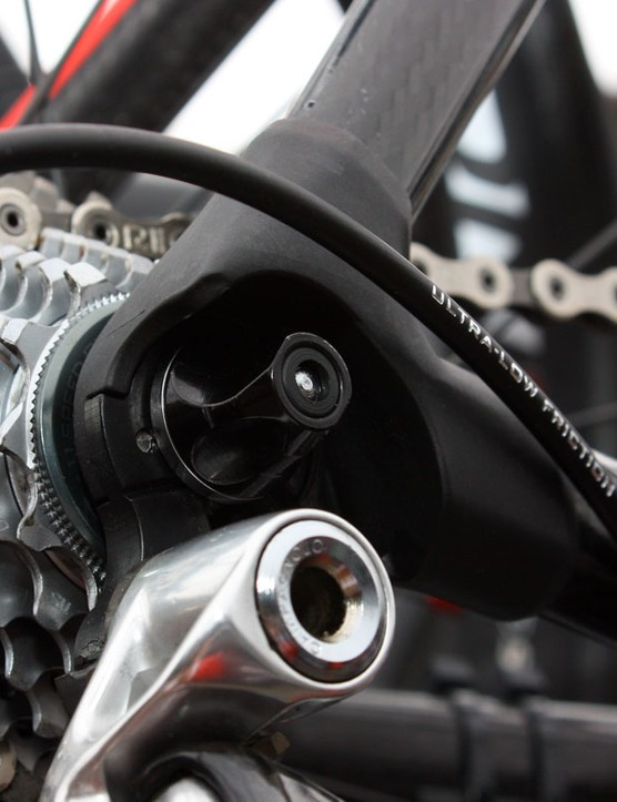 Dropouts on the Impec are made of molded carbon fiber.