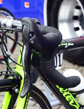 Campagnolo Record Ergopower levers are clamped to Ritchey bars on the Lampre-Vini Farnese team bikes.