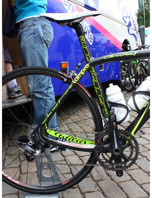 The rear end of Lampre-Vini Farnese's Wilier Cento 1 SLs feature dramatically asymmetrical chain stays.