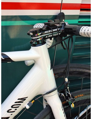 Head tubes on the Omega Pharma-Lotto team bikes are fairly long so most riders opt for a conventional headset cap assembly and slam their stems all the way down.