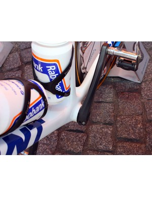 Rabobank's Giant TCR Advanced SL frames include press-fit bottom bracket cups.