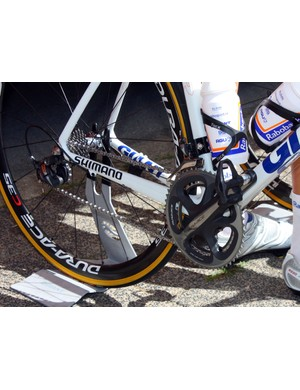 Rabobank riders are split between mechanical and electronic Shimano Dura-Ace groups.