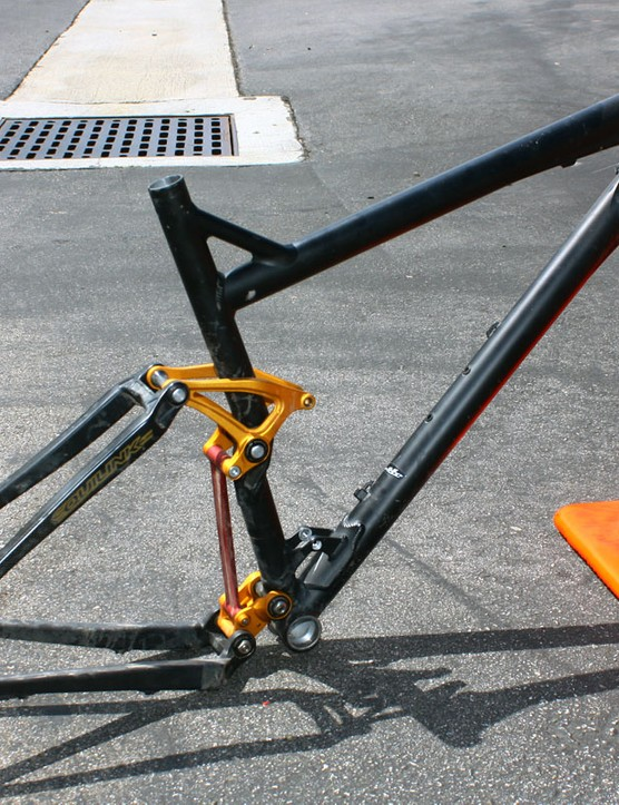 Felt says this prototype 100mm-travel FRD model was deemed too heavy by its cross-country racers.