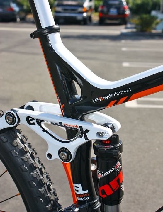 One of the benefits of the alloy Virtue's hydroformed construction is the integrated seat tube support.