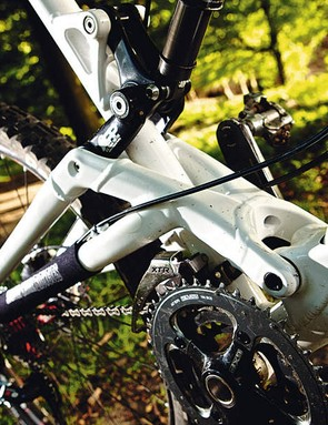 The new suspension design combines actual and Virtual Pivot Point linkages