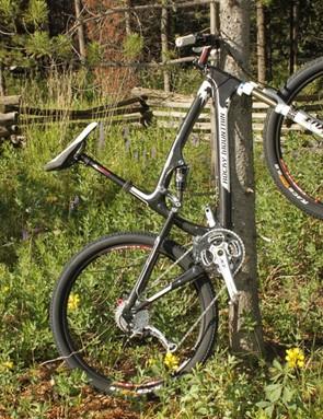 Maxxis-Rocky Mountain team rider Geoff Kabush has already taken to the new full-suspension race bike
