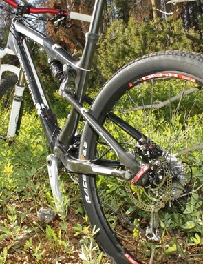 The Element RSL frame is made from Toray carbon and contains virtually no metal