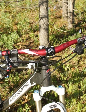 The 680mm RaceFace bar is good for breathing on the up and great for control on the way down