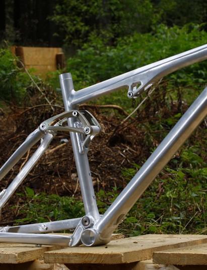 Cube AMS frame