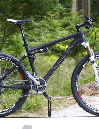 The 100mm-travel Super HPC is the only carbon fibre bike in Cube's AMS line-up