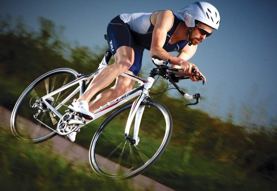 Low weight and high stiffness from a race-proven carbon chassis