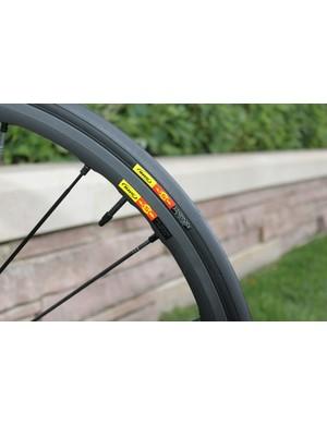 The Ksyrium SLR Exalith rim and GripLink front tire