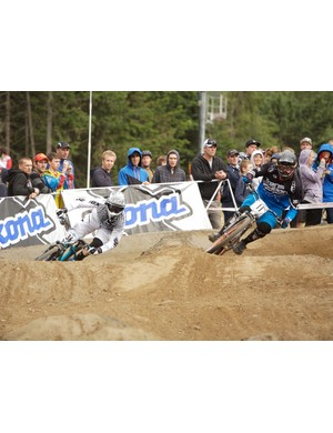 Kokanee Crankworx Whistler kicked off with some fast-paced dual slalom action. Here Duncan Riffle takes on Bryn Atkinson.