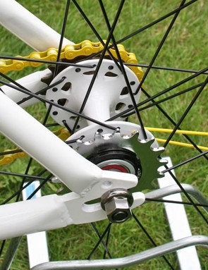 Flip-flop hub to run fixed or singlespeed