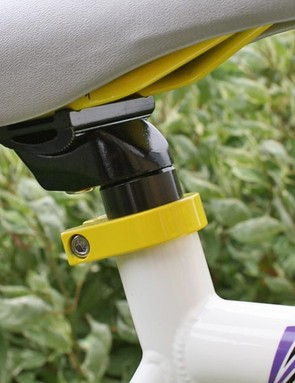 Collar and cuffs - Subtle yellow underneath the saddle, matched by the seatpost collar