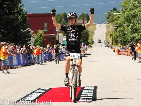 Levi Leipheimer (RadioShack) wins the Leadville 100 after a hard-fought battle with Jeremy Horgan-Kobelski (Subaru/Trek)