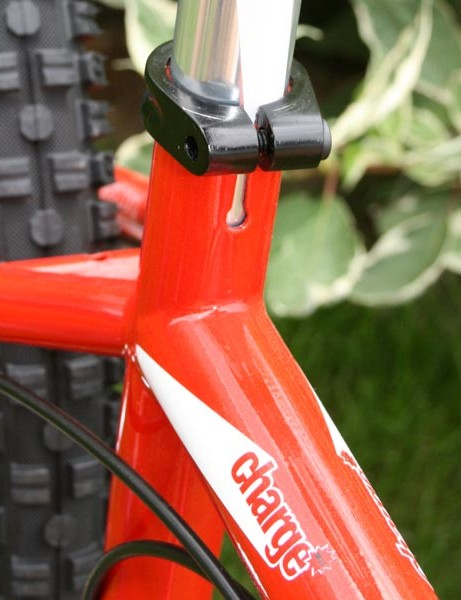 Forward-facing seatpost slot