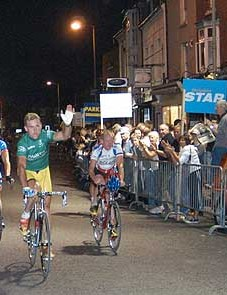 Sean Kelly and co wave to the crowd