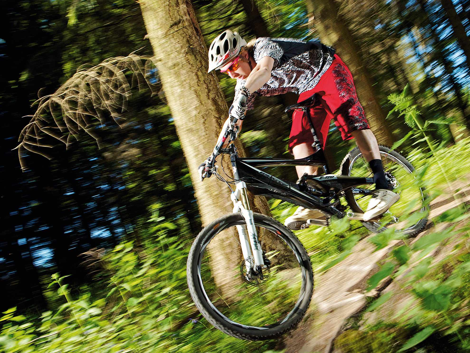 The E-120 is a lovely bike built for ripping in UK conditions