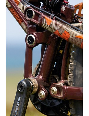The Freedrive suspension system is stretched way beyond it usefulness in this 210mm (8.3in) travel guise