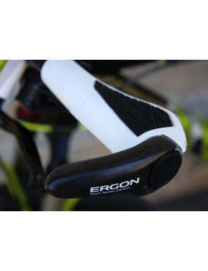 Ergon GX2 carbon grips in limited edition white keep Wiens' comfortable