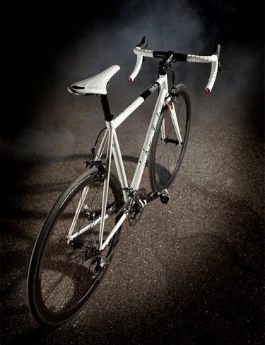 The 2011 Betty features new seatstays and headtube