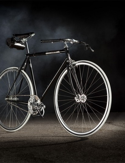 Fixie's top-tier fixed gear, the Black Jack