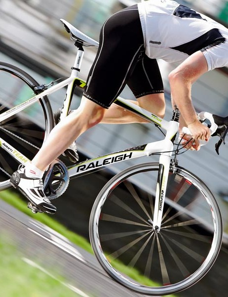 The Avanti team is a purposeful bike that accelerates sharply with little noticeable fl ex or flutter