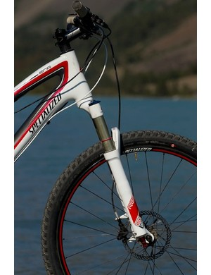 A Rock Shox Reba RLT handles the front suspension on the Specialized Era