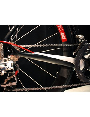 The updated Izalco Team frame features revised cable routing for 2011 - no longer is the housing clamped to the top of the chain stay.