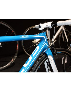 The Cayo road frame features a tapered head tube.