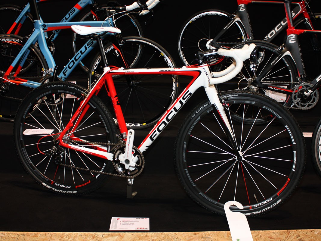 US$4,000 gets you Focus's top-end Mares CX 1.0 'cross racer.