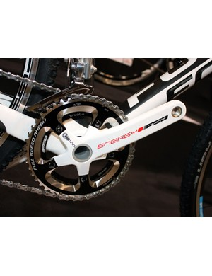 Gearing is suitably 'cross-appropriate with 36/46T chainrings specified across the Mares range.