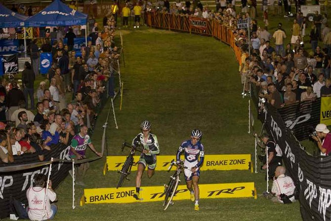 Driscoll and Jones at the front of the 2009 edition of CrossVegas