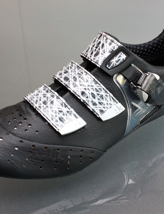 Fizik's new R1 Uomo road shoe is built with kangaroo leather, microfibre synthetics and sailcloth straps, all mounted atop a unique three-piece carbon composite sole