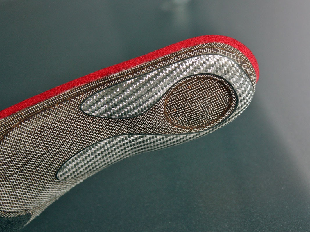 A fibre composite piece adds further heel stabilisation