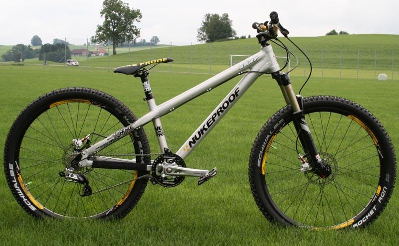 Nukeproof Snap four-cross bike