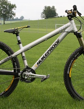 Nukeproof Snap four-cross bike