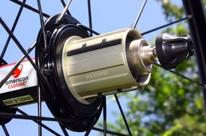 Three steel inserts prevent cassettes from digging into the lightweight aluminium freehub body