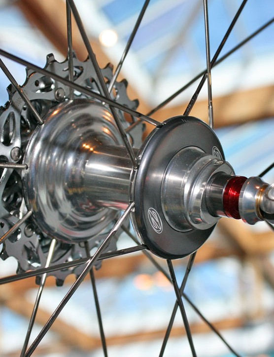 Zipp use their latest hubs on the revamped 808 wheels