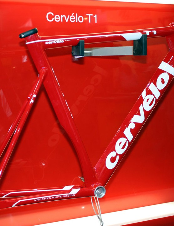 Cervélo somehow managed to find time to design the new T1 aluminium track bike in addition to the new road framesets