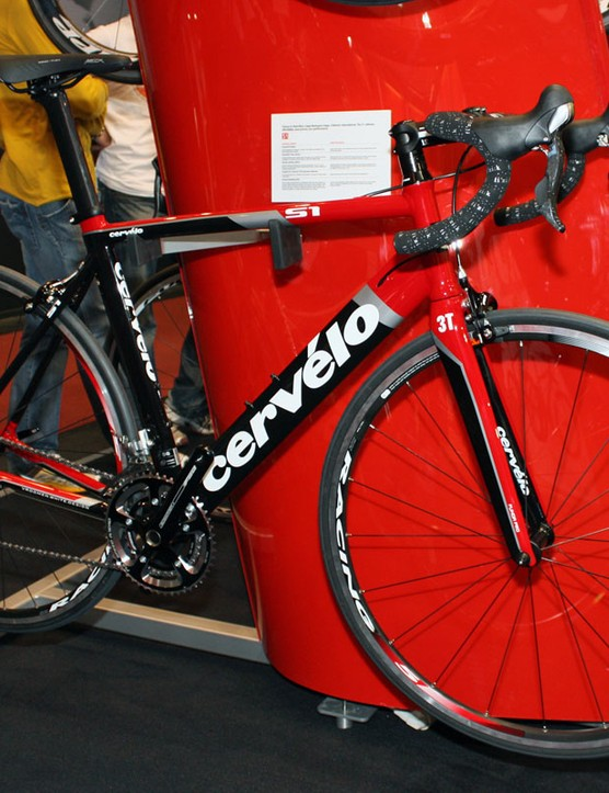 Budget-minded riders looking for an aero advantage will still find the aluminium S1 in Cervélo's 2011 collection