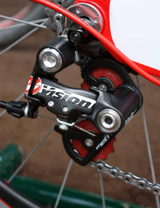 Vision's new Metron rear derailleur is lightweight at around 140g but a bit flexier than we would have expected