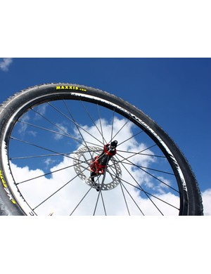 The new Reynolds XC off-road wheelset boasts a 290g tubeless-compatible carbon rim